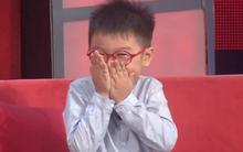 Clip: Cậu bé 6 tuổi rúm ró, bẽn lẽn kể về cô bạn gái cực xinh trên truyền hình