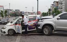Ô tô Fortuner gây tai nạn liên hoàn ở Hà Nội, 2 phụ nữ và 1 bé trai bị thương nặng