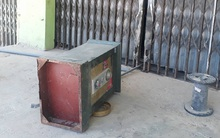 Con trai chủ hụi tố người dân tự ý phá cửa lấy 4 két sắt chứa hơn 100 triệu sau khi công bố vỡ nợ