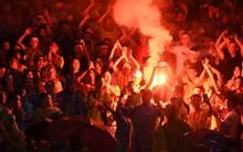 Đã 3 lần bị phạt tiền vẫn chưa rút kinh nghiệm, fan Việt Nam sẽ báo hại đội nhà nếu tiếp tục vi phạm điều này ở AFF Cup 2018
