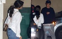 Trở nên ngoan hơn, nhưng Justin vẫn thích diện quần tụt khi hẹn hò với Selena