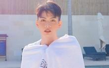 """Đào Bá Lộc đăng ảnh """"táo bạo"""" bên hồ bơi nhân ngày kỉ niệm 1 năm yêu nhau với bạn trai"""