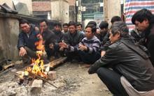 """37 công nhân bị chủ thầu bỏ rơi ở Hạ Long: """"Có người còn không biết nhà mình ở đâu mà về"""""""