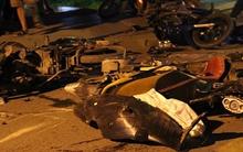 Đứng bên lề đường, 7 người bị ô tô đâm thương vong
