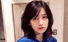 """Xuất hiện hot girl ảnh film với nét đẹp cổ điển cực giống """"nữ thần"""" Kim Ji Won của Hậu duệ Mặt trời"""