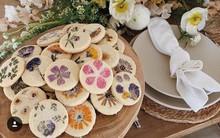 Những chiếc bánh quy đầy hoa lung linh đến mức bỏ tiền ra mua về lại không nỡ ăn