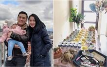 Lam Trường và bà xã 9x tự tay nấu ăn, tổ chức tiệc sinh nhật 1 tuổi cho con gái cưng