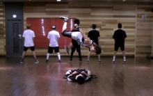Vũ đạo nguy hiểm của 2 thành viên BTS từ cách đây 5 năm bất ngờ hot trở lại