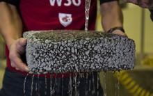 Tìm ra cách cải thiện khả năng thoát nước của bê tông trong mùa lũ bằng sợi carbon tái chế vô cùng hiệu quả