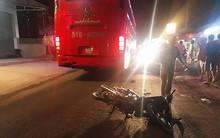 Va chạm với xe khách giường nằm, 3 mẹ con bị cán thương vong trong đêm 8/3