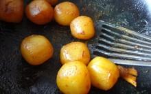Kỳ lạ những chiếc bánh biết than khóc theo đúng nghĩa đen khi bị rán của người Nhật Bản