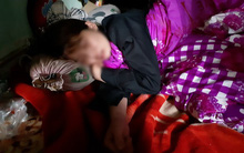 """Nỗi đau tột cùng của mẹ bé trai 8 tuổi ở Vĩnh Phúc bị kẻ lạ chém tử vong: """"Nhìn con nằm giữa nhà, tôi ngất lịm"""""""