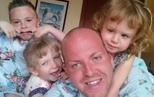 """Người cha đồng tính nhận nuôi 4 con khuyết tật suốt 10 năm: """"Họ hỏi rằng con tôi cũng sẽ """"bê đê"""" à hay tôi làm thế chỉ vì tiền"""""""