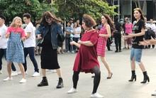 Chùm ảnh: Trấn Thành, Trường Giang, Hứa Vĩ Văn đồng loạt hóa... bà bầu trong show thực tế mới