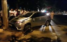 Ô tô mất lái tông trực diện vào xe máy, bé trai 1 tuổi tử vong, 3 người trọng thương