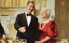 """Mối tình trong mơ 77 năm yêu trọn vẹn, thủy chung của vợ chồng cựu Tổng thống Mỹ George Bush """"cha"""""""