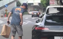"""Tậu siêu xe mới trị giá 28 tỷ, Hoắc Kiến Hoa lộ khoảnh khắc """"quê độ"""" khi chưa quen mở cửa xe"""