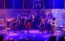 Điểm tin cuối tuần: Học sinh Ams bùng nổ với nhạc kịch, teen Nguyễn Huệ quẩy hết mình cùng Osad trong dạ tiệc