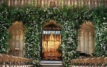 Cận cảnh cổng hoa trị giá cả ngàn đô tại lễ đường nơi diễn ra đám cưới Hoàng gia
