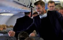 Fan nữ bị hút hồn bởi chàng thủ môn đội tuyển Đức đẹp trai như tài tử