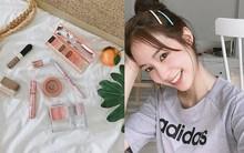 Tưởng cầu kì nhưng đồ makeup hàng ngày của hot girl số 1 Thái Lan Pimtha lại đơn giản và bình dân vô cùng