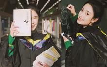 Đốn tim bằng loạt hình quá xinh đẹp với áo cử nhân, nữ sinh này còn khiến dân mạng rần rần đi tìm danh tiếng trường đại học