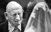Những hình ảnh xúc động chứng minh rằng, người đàn ông hạnh phúc nhất trong ngày cưới chính là bố của cô dâu