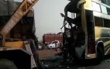 Tai nạn giao thông nghiêm trọng tại Ấn Độ làm hơn 30 người thương vong