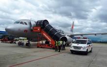 Máy bay từ Hà Nội đi Đà Lạt hạ cánh khẩn cấp từ độ cao 10.000 mét để cứu nam hành khách bị ngất xỉu