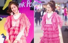 """""""Hot girl diện đồ basic đẹp nhất Thái Lan"""" Pimtha bỗng dưng khiến người ta hết hồn trong bộ váy màu hường lồng lộn"""