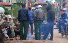 Ngay từ giữa trưa, người dân Hà Nội đã đốt lửa sưởi ấm trong đợt lạnh nhất từ đầu mùa Đông