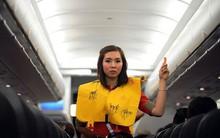 Xé áo phao trên tàu bay, nữ hành khách bị cấm bay 9 tháng