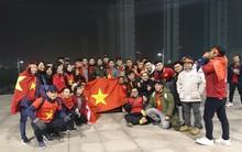 CĐV Việt Nam ở Trung Quốc lặn lội 300km tiếp sức cho U23 Việt Nam