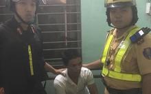 Lần theo định vị từ chiếc xe máy bị mất trộm, CSGT bắt giữ đối tượng đang sử dụng ma tuý tại quán cà phê ở Sài Gòn