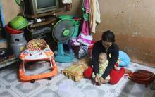 Chồng bỏ đi, người mẹ trẻ nuốt nước mắt nuôi hai con nhỏ dại, bệnh tật