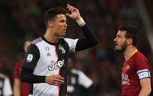 """Cái kết đắng cho Ronaldo sau hành vi sỉ nhục đối thủ: """"Mày quá lùn để nói chuyện với tao nên hãy im miệng lại"""""""