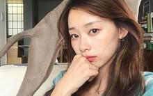 """Nếu mệt mỏi khi dưỡng da 10 bước kiểu Hàn, có lẽ nàng da dầu sẽ thấy """"chân lý"""" nhờ chu trình tối giản chỉ dăm ba bước cơ bản"""