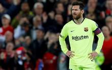 Sau nỗi buồn vô hạn khi Barca dừng bước một cách khó tin, Messi còn bị toàn đội bỏ lại cô đơn tại sân của đối thủ