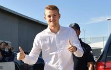 """""""Soái ca áo trắng"""" De Ligt chính thức đặt bút ký vào bản hợp đồng trị giá gần 2.000 tỉ VNĐ"""
