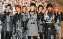 """Hiếm có trong lịch sử: Bị BTS đe doạ mảng album, ban nhạc Nhật ra tận cửa hàng """"kích cầu"""" và đạt hiệu quả cao"""