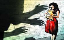 """Bé gái 11 tuổi bị chính ông nội hãm hiếp suốt 1 năm mà không lên tiếng, đến khi được học giáo dục giới tính mới biết """"hành động đó là sai"""""""