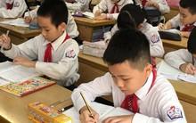 """Hà Nội """"nhấp nhổm"""" tăng học phí: Cao nhất gần 42%"""