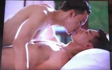 """Trai đẹp """"Nhà Họ Vương"""" hé lộ cảnh hôn đồng tính nóng """"bỏng mắt"""""""