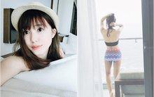 """Sa Lim diện bikini nóng bỏng, Khả Ngân pose hình cười tươi đủ """"50 sắc thái"""""""