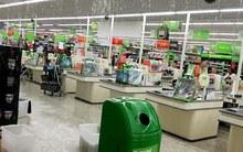Anh Quốc: Mưa lớn phá thủng cả nóc siêu thị