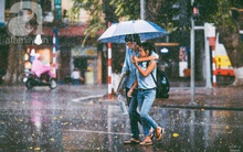"""Hà Nội buồn và ngọt ngào đến """"nổi da gà"""" trong bộ ảnh """"Những cơn mưa bất chợt"""""""