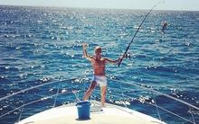 Vừa xin lỗi vì đăng ảnh nude, Justin Bieber lại khoe ảnh mặc nội y