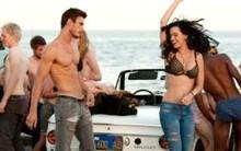 """Katy Perry lại tung ảnh """"mát mẻ"""" trên hậu trường quay MV mới"""