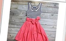 Tút lại áo cũ thành váy xinh đón nắng