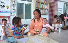 Triệu phú Trung Quốc sống trong cảnh nợ nần sau khi nhận 75 con nuôi